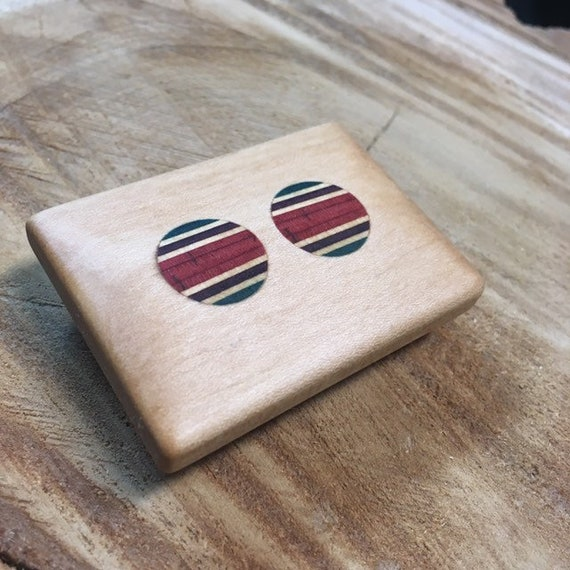 Small belt buckles in Maple and recycled skateboard