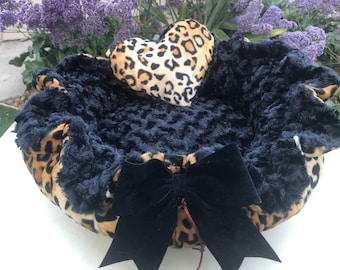 Leopard  - Leopard print Velboa and black. tan or ivory Rosette Minky Dog Bed