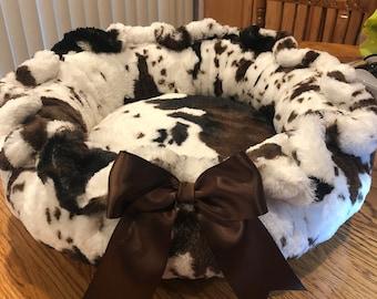 COWABUNGA!: Plush long pile minky cow pattern dog bed