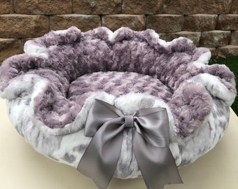 SILVER SIBERIAN LEOPARD: Silver and white plush cuddle minky in Siberian Leopard pattern paired with silver rosette.