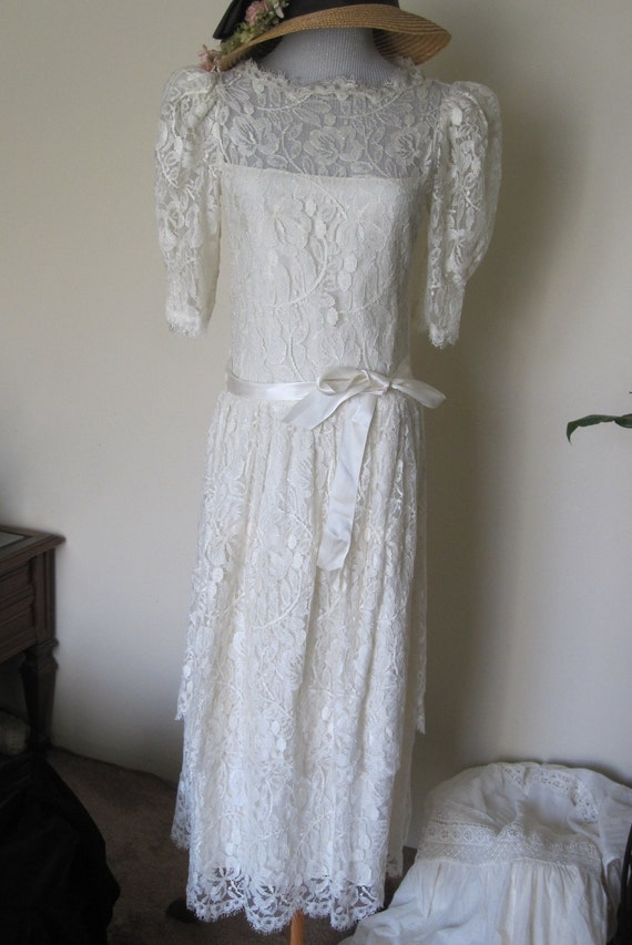 Vtg 80's does Victorian Ivory Off White Floral Lac