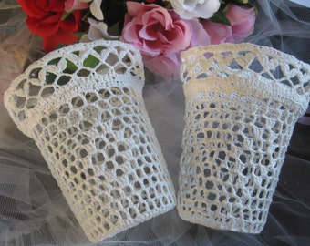 Vtg 90's Off White Ivory Crochet  Flower Pots Crafts Lace Victorian 2 pcs