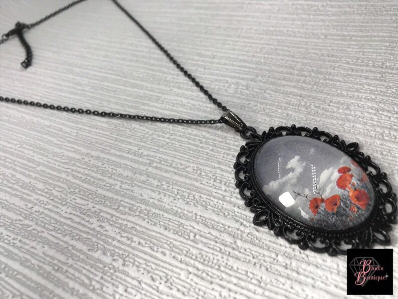 Beaded Jewelry Poppy Jewelry Glass Picture Necklace Red Flower Necklace Poppy Cameo Necklace Black or Bronze Floral Necklace