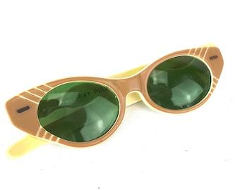 13c05c5f99 1950s Polaroid Cat Eye Glasses