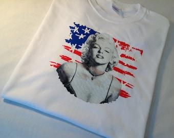 Marilyn Monroe Flag Graphic t-shirt womens