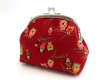 Maroon frame coin pouch, cotton fabric with owl print, metal frame purse, medium makeup bag, silver kiss lock clasp bag