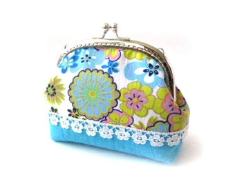 Frame coin purse, blue yellow pink fabric, white lace, silver kiss lock clasp, blue frame clutch bag, blue change purse