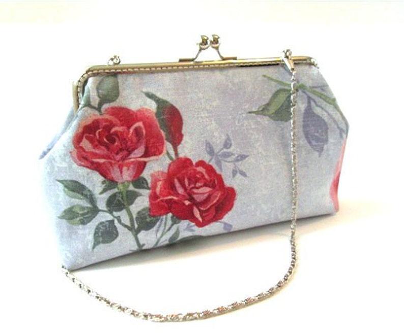 9c7bb3728bdf2 Czerwona róża zapięcie torebka światło niebieskie torby ramka
