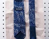 Sam Men's Skinny Necktie Classic point-end - Modern tribal navy white Neck tie