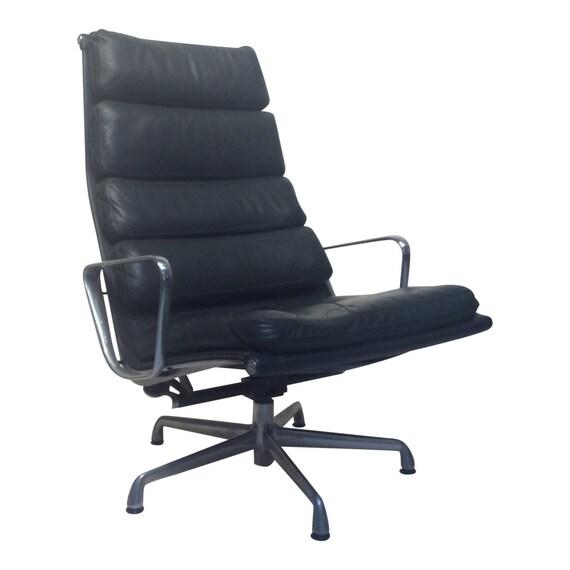 Superb Mid Century Modern Eames Herman Miller Green Lounge Chair Dailytribune Chair Design For Home Dailytribuneorg