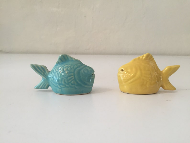 Bauer Pottery Chicken of the Sea Salt and Pepper image 0