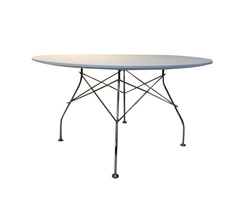 Kartell glossy Round table image 0