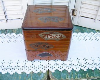 "Vintage Japanese Bento Box 3 Tiered Plastic Enamel 7-1/4"" Square Lunch Box Japanese Fan Design Retro Storage"