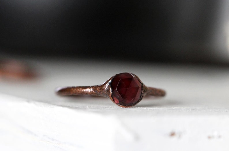 Faceted Crystal Ring Copper Ring Garnet Ring Natural Stone Garnet Solitaire January Birthstone Ring