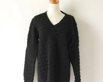 Black fluffy knit sweater. Hand knit pullover. 90s Goth fuzzy sweater. Textured chunky sweater. Wool pullover. Oversized knitted sweater
