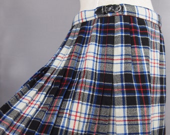 Vintage kilt - tartan skirt - plaid skirt - Scottish chic - winter chic - wool skirt - grunge - preppy - Gor-Ray kilt - wrap-round skirt