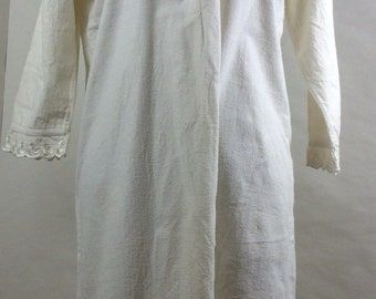 Winceyette night shirt - vintage nighty - winter nightgown - smock dress -  British chic - lacy night gown - mid century chic - Victoriana 863890417