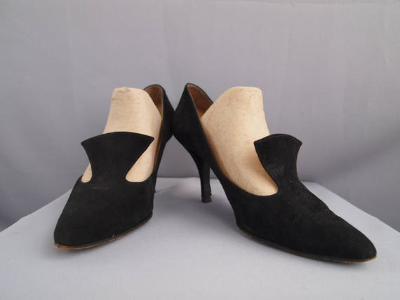 Charles Jourdan shoes - pilgrim shoes - witchy sho