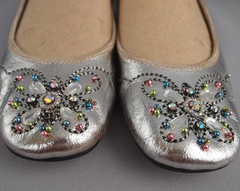 Silver pumps - vintage leather shoes - ballet shoes - slip on shoes - floral shoes - jewelled shoes - embroidered shoes - flats - boho - 70s
