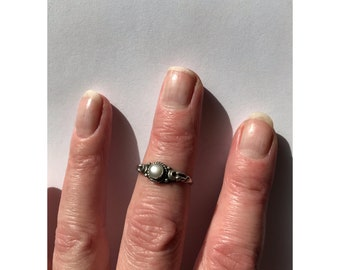 Vintage Pearl ring - boho ring - silver ring - gothic ring - 90s - boho jewellery - moon ring