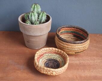 Vintage woven basket - lidded pot - straw basket - round pot - boho decor - medicine basket- trinket box - woven pot - rustic home