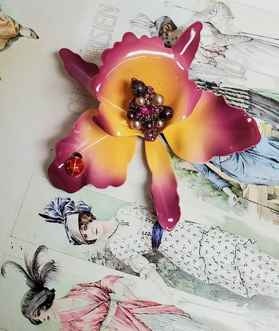 Stunning Joan Rivers Tulip Midcentury Style Pin Br