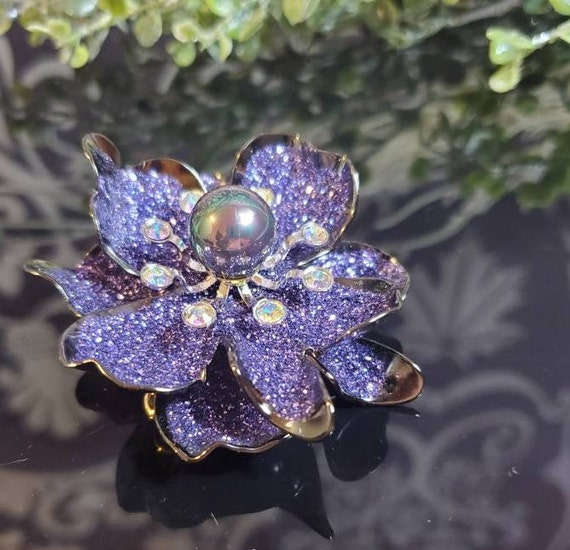 NWT Gorgeous JOAN RIVERS Purple Floral Pin Brooch