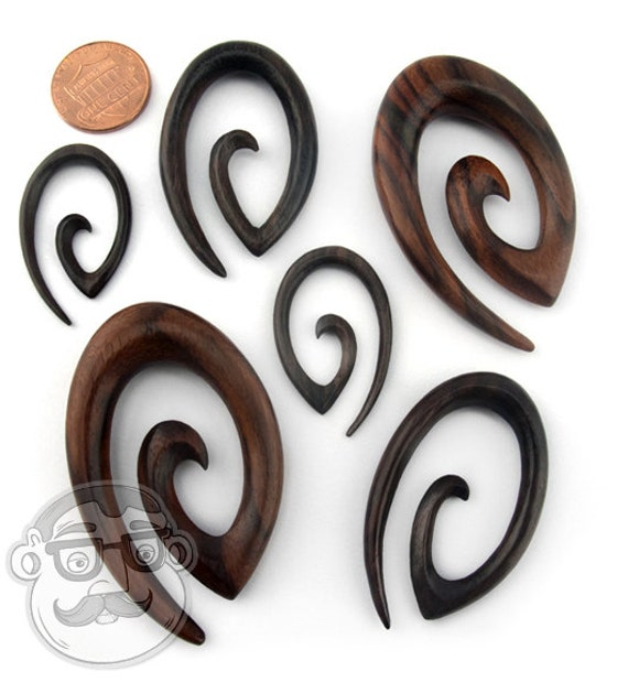 pair Oval Spiral plugs
