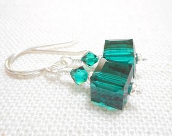 Emerald Green Crystal Cube Earrings, Swarovski Crystal Jewelry, Silver Dangle Earrings, Swarovski Crystal Jewelry, Beaded Drop Earrings