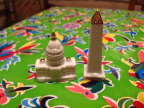 Vintage ceramic Washington Monument and Capitol Building salt and pepper  shakers- souvenir of Washington DC