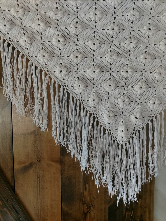 Vintage White Floral Crochet Shawl