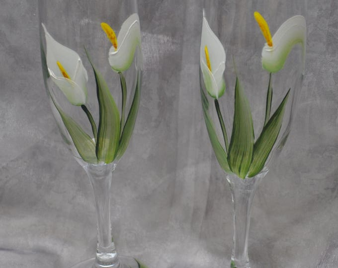 "8"" glass toasting flutes, White calla lily, Set of 2."