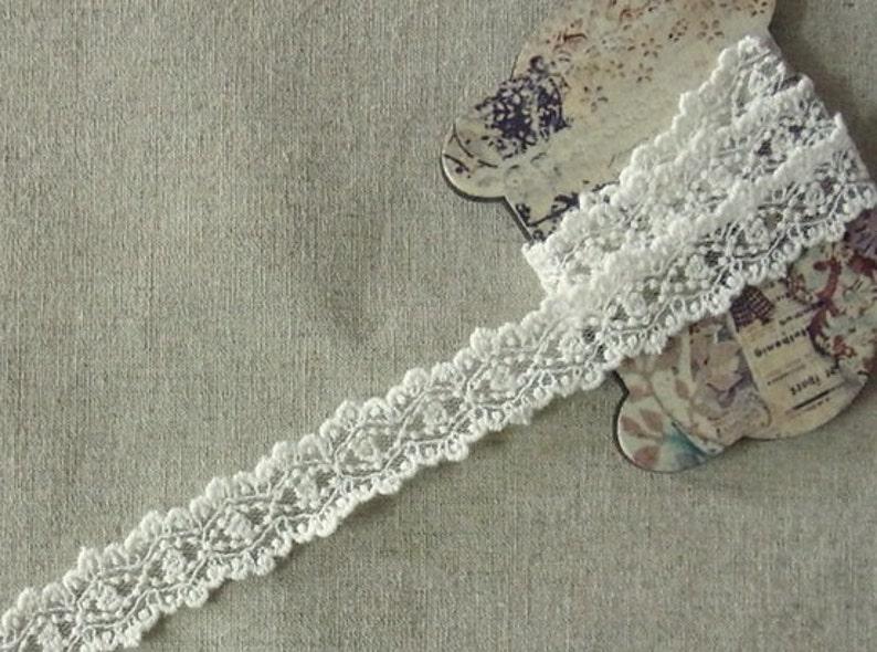 Vintage style Crochet Lace lovely Flower 3 Yard #3001