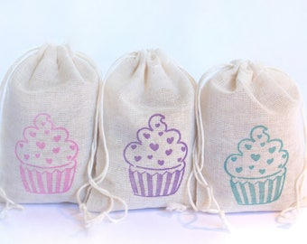 Cupcakes With Hearts Bag set 15 Birthday party decor goodies treat bag