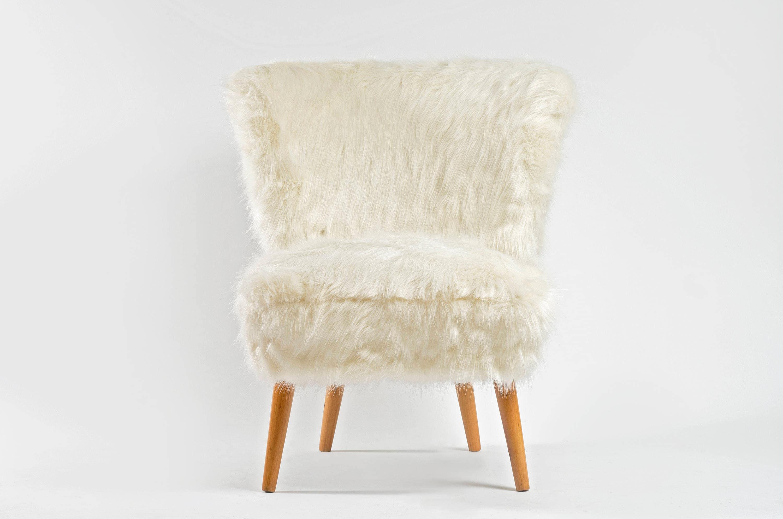 White Faux Fur Coctail Chair .