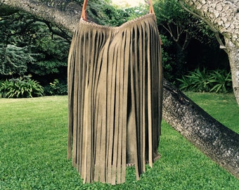 Classic bucket bag with fringe - Moss green suede - Green suede with veg tan hide leather - Fringed bucket bag - Moss green with a tan strap
