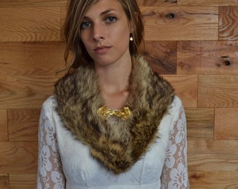 SALE 25% Vintage Fox Fur Stole with Gold Flower Buckle Clasp // 1960s Brown Fur Collar Wrap Scarf