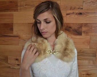 SALE 25% Vintage Fox Fur Collar with Hand Sewn Gold Buckle // 1960s Light Brown Tan Fur Shawl // Winter Wedding