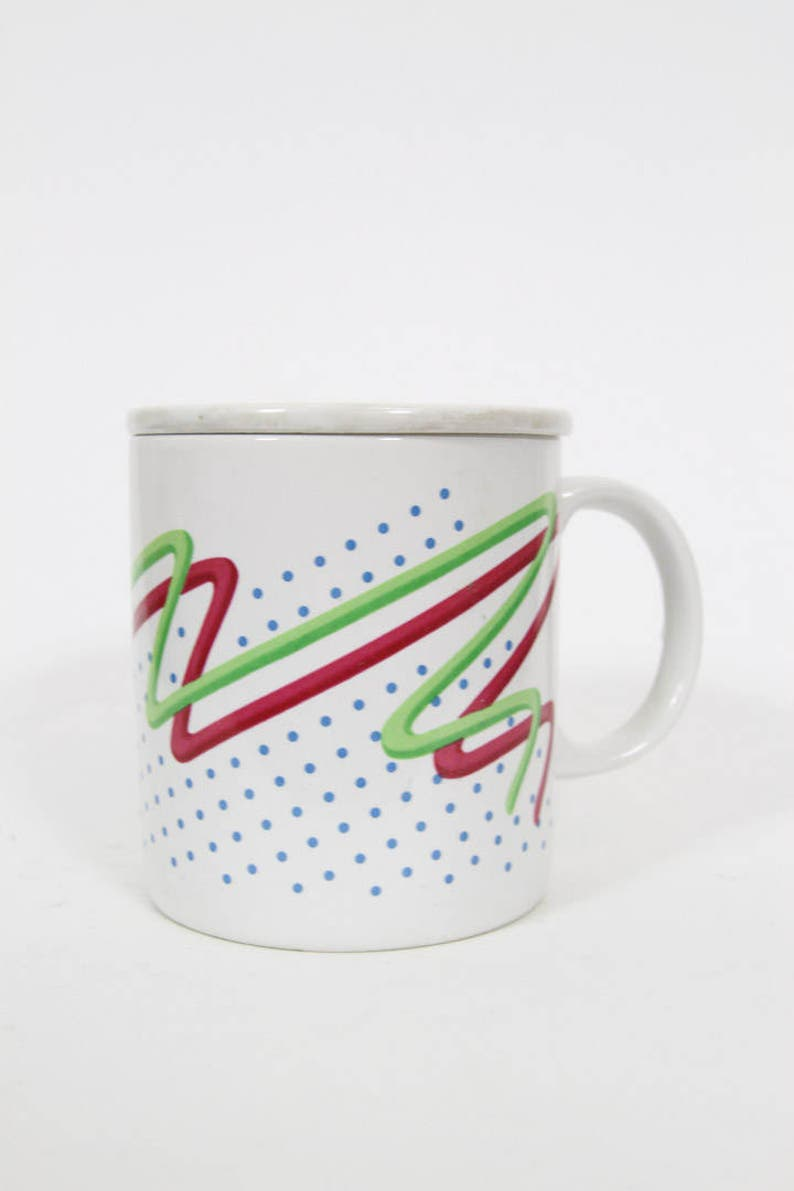 Funky Radical Geometric 1990s 90s Mug with Ceramic Lid Jazzy Style Abstract  Design