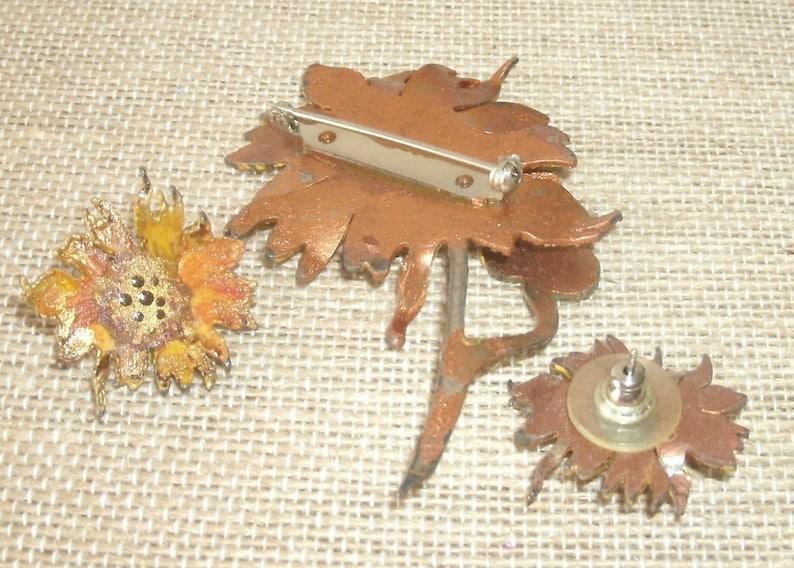 Vintage Handcut Hand Painted  Artisan Made Metal Work Dimensional Sunflower Brooch Pin /& Pierced Earrings Unsigned Figural Demi Parure Set