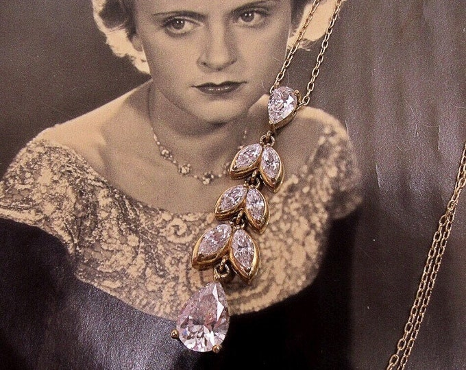 Stauer 14k Italian Gold plated Sterling Silver faceted DiamondAura Crystal signed Designer Necklace
