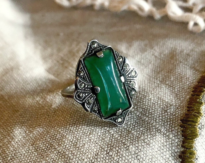 Antique Art Deco Edwardian Sterling Silver genuine Chrysoprase Baguette faceted Marcasite accented size 5.5 Statement Ring