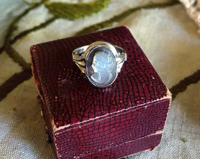 Sublime vintage Victorian Revival 14K White Gold carved Mother of Pearl Cameo signed size 6 statement Ring