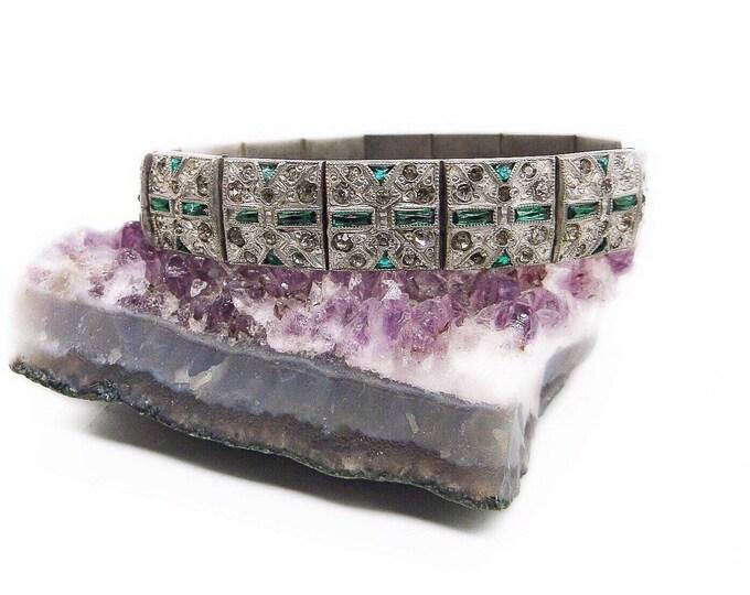 Vintage Art Deco Nov-E-Line  Rhodium plated geometric design faceted green glass banquettes faceted paste stone signed 1920s bracelet