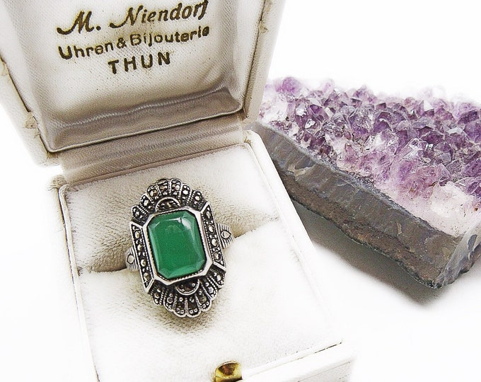 Stunning Antique Art Deco Luminous Chrysoprase Sterling Silver Marcasite signed size 6 statement Ring