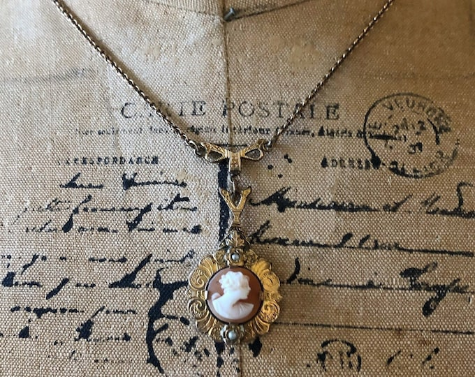 Antique Late Victorian decorative gold rolled prong set Conch Cameo genuine Seed Pearl accented Y Lavaliere Necklace