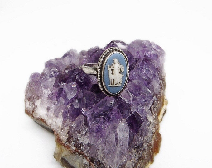 Vintage Wedgwood Goddess Artemis with Stag Blue Jasperware Sterling Silver size 6 hallmarked Cameo Ring