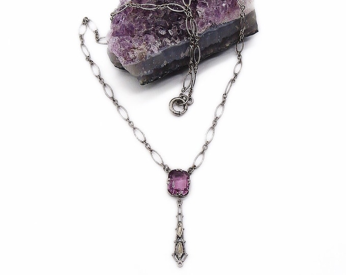 Vintage 1920s-1930s Art Deco rhodium plated round open loop chain faceted purple amethyst glass pendant drop necklace