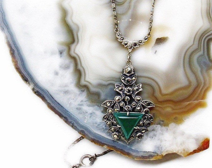 Exquisite antique Edwardian 1910s Sterling Silver Marcasite faceted genuine Chrysoprase Stone delicate signed Lavaliere Necklace