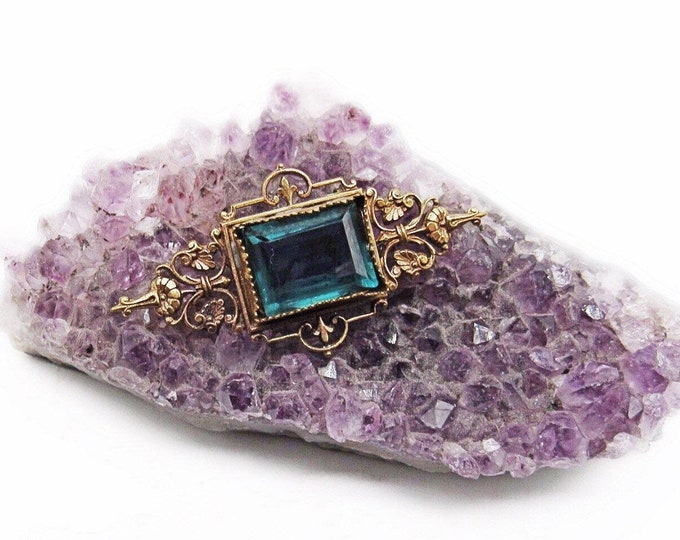 Vintage Victorian Revival antiqued Brass faceted Sapphire Blue glass Crystal decorative Brooch
